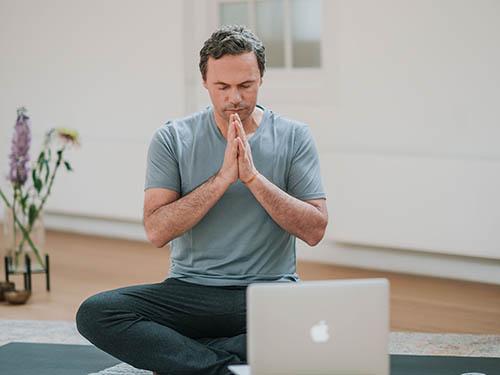 johan noorloos online yogaopleiding