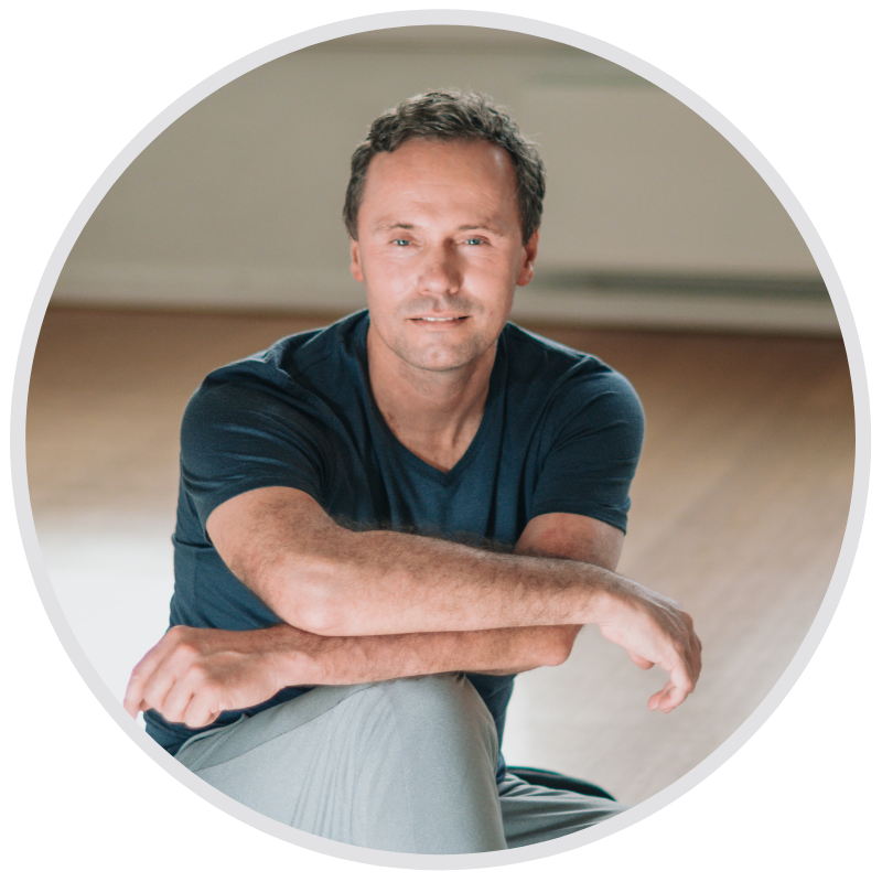 Johan online yogaopleiding vinyasa yin asana teacher training