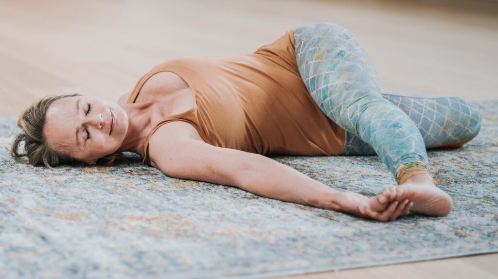 DNYS-online-yin-yoga-opleiding-yogadocentschap-huis-skadi