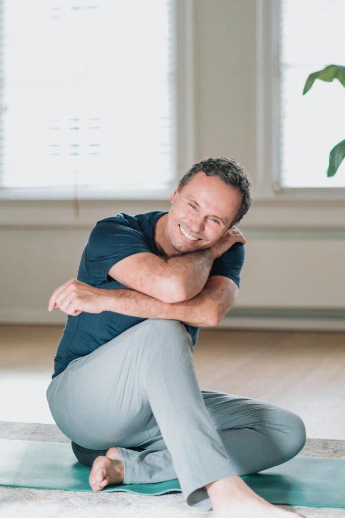 Online-yin-yoga-opleiding-johan-noorloos