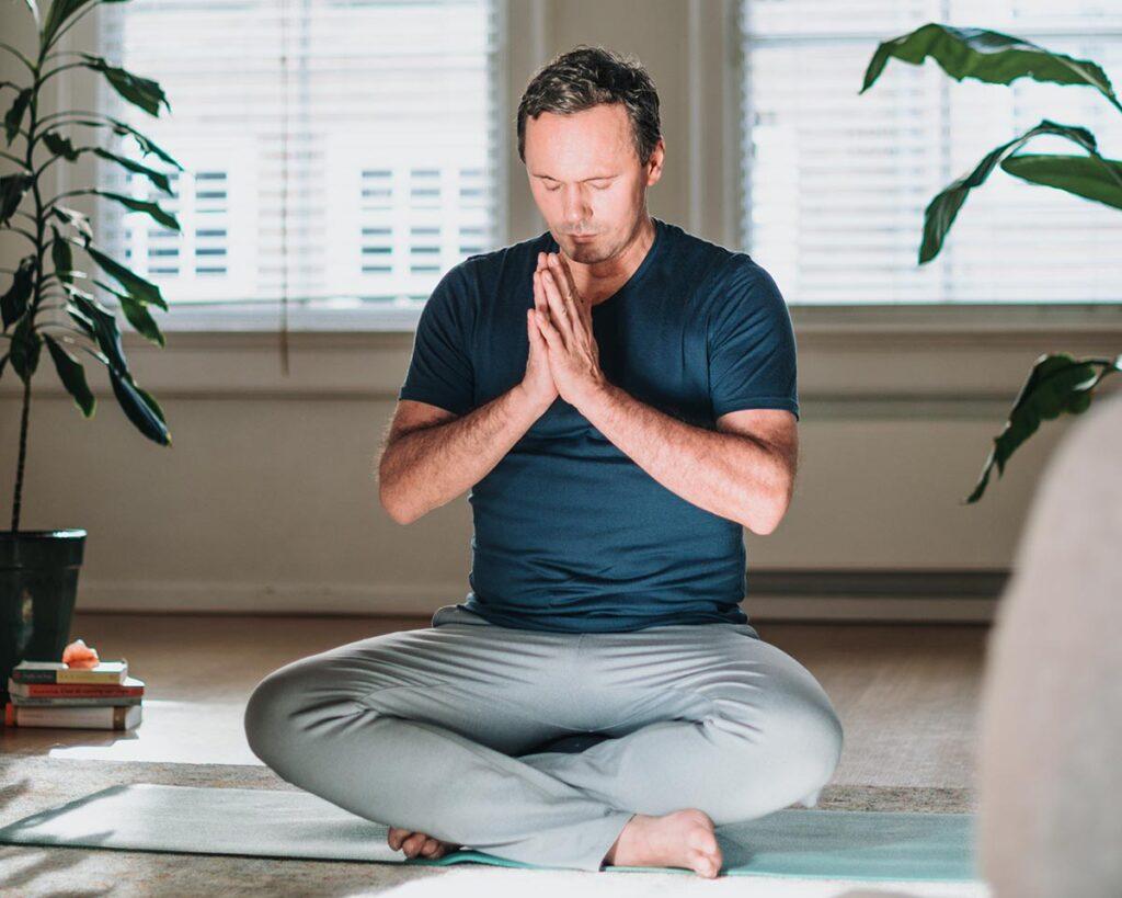DNYS-Online-yin-yoga-opleiding-johan-noorloos