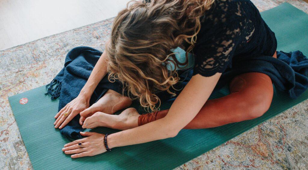 yin-yoga-als-rustmoment-drukke-leven-blog