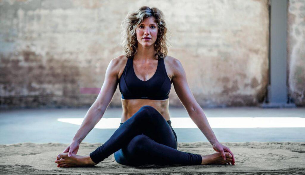 Shoelace yinyoga asana yin yoga blog heupopener
